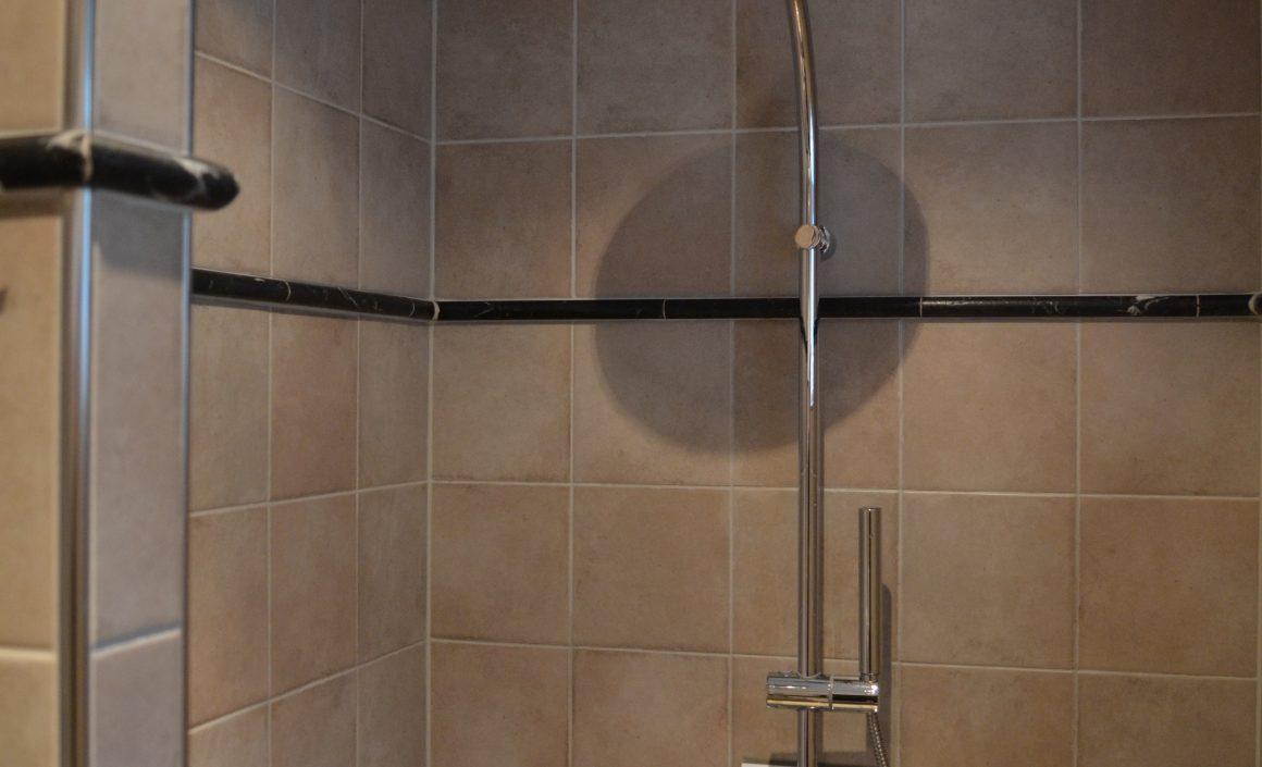 Vernieuwde badkamer in klassieke stijl